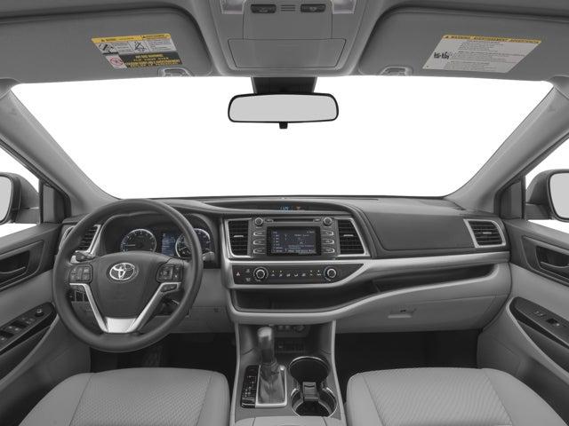 2017 Toyota Highlander Le Plus Chicago Il Serving Orland
