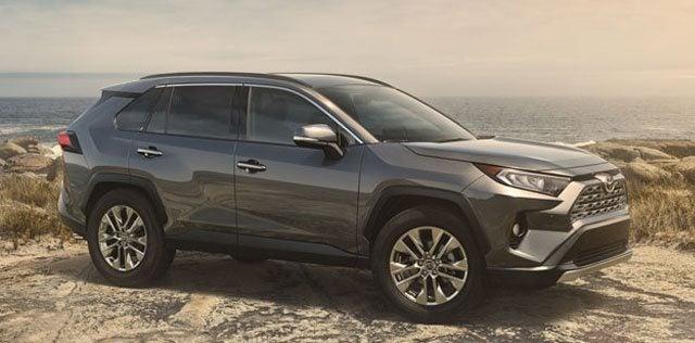 2019 Vs 2018 Toyota Rav4 Suv Comparison Review Hodgkins Il